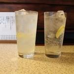 まことや - チューハイ 350円+税、レモンサワー380円+税