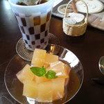 カフェ・ラ・ドゥース・ウール - 単品メニューに300円追加でデザートとドリンクがつきます