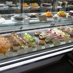 4344174 - ケーキのショーケース