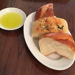 43440778 - 自家製焼き立てパン(1階パン屋より提供)