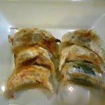 餃子小舎 - よくばり餃子6個セット