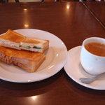 珈琲倶楽部 - 料理写真:サンドイッチトーストセット