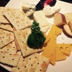 Ale House - チーズの盛り合わせ