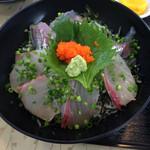 海鮮丸 - 海鮮丼 750円