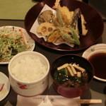 鮎亭 - てんぷら定食です。