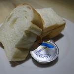 イタリアン&バール アルバータ - パン