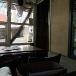 ベーネベーネ - バルコニー席の内観
