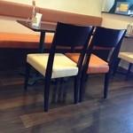 かみすばし珈琲 - (内観)テーブル席