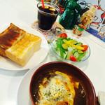 カフェ ユニオ - 料理写真:ユニオセット(オニオングラタンスープ・サラダ・トースト・ドリンク)