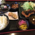 和中旬菜 威風堂々 - チキンの味噌カツ定食1080円