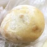 アトリエ フラン - くるみとチーズのパン