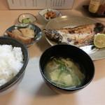 平八 - カレイの一夜干し定食700円