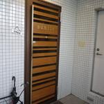 sumile TOKYO - ビルの9F。フツーな入口