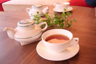 カラコル - 豊富な茶葉からお気に入りの一品をお選びください!