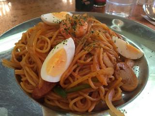 カフェ&レストラン談話室 ニュートーキョー - ナポリタン 800円(税込)
