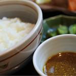 兼平鮮魚店・中洲川端店 - ランチご飯、ゴマだれ