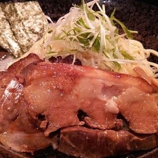 麺や すする - 料理写真:特製つけ麺(1050円)
