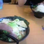 雷神家 - 醤油ラーメン(並)