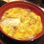 Hokkoriya - 炭火焼鶏の親子丼 \850