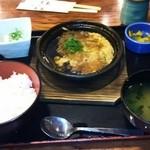 鍛冶屋 文蔵 - 豚ロースカツの卵とじ定食(780円)