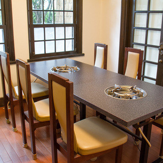 人気のテーブルの個室