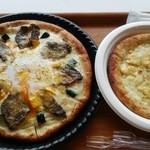カルボナーラピザ、4種のチーズピザ