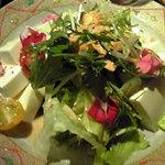 竹とりNEO - 豆腐と水菜のサラダ。