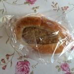 あったかパン屋さん あぐり - つくねパン、150円です。