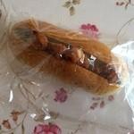 あったかパン屋さん あぐり - 唐揚げドック、150円です。