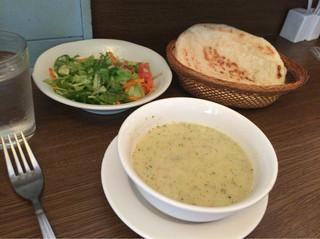 トルコ料理レストラン ヒサル - ランチセットのスープ。本場はかなり私には合いませんでしたが、こちらは大丈夫でしたd( ̄  ̄)