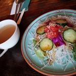 カフェ ガウディ - サラダとスープ