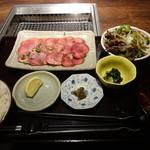43538435 - 2015.10 牛たん定食100g