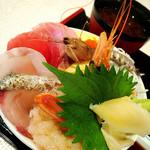 牧原鮮魚店 - 海鮮丼と天ぷら付き¥.1080