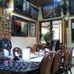 カフェ・ウインド - 店内は山や自然の写真が多く、山小屋のような感じなので好きです