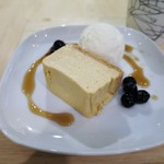 ギフトラボ ガレージ - クリームチーズケーキ ロレーヌ岩塩のアイスクリーム添え