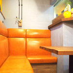 マンチーズ - テーブル席