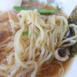 東京ラーメン本丸 - 麺