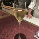 トムクリオーザ - ☆グラスシャンパンで乾杯です(≧▽≦)/~♡☆