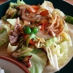 居酒屋とりや - 料理写真:野菜炒めアップ