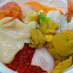 釧路和商市場 - 勝手丼2800円くらい