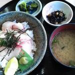 ワーサン亭 - ハマチ丼定食