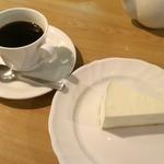 ロージナ茶房 - ロージナ茶房(レアチーズケーキセット)