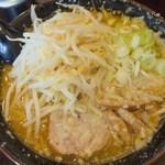 麺屋 和光 - 普通の味噌ラーメンよりモヤシが増しです。