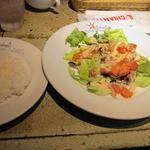 iL-CHIANTI OVEST - 若鶏もも肉のカリッとステーキ~キノコとレタスのサラダ仕立て~