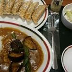 43556798 - 野菜カレー442円・餃子200円