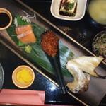 居酒屋いち - お昼の定食(^o^)安くて美味しかった(^_^)ごはんとみそ汁がおかわり自由でした。ごはんがとても美味しかったです(^_-)