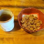 福和打 - 料理写真:お茶とお菓子が・・・甘いでんがな