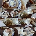 43566078 - カレーのセット。                       ピクルスがとても美味しく買って帰りたいくらい( ´艸`)花豆モンブランの味も素敵で、花咲ジャスミン茶が素敵で美味しかったですよ(^∇^)                       私は好きでした。