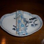 稗島珈琲店 - おしぼりも陶器の器で出てきます
