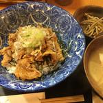 本鮪と黒豚料理CHOCHINちょうちん - 豚丼